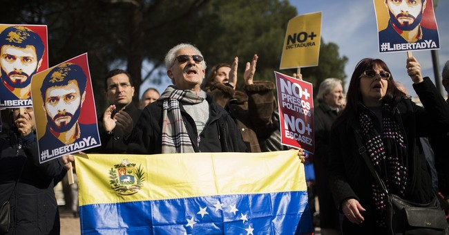 Backed by Trump Venezuelans march to demand release of Lopez