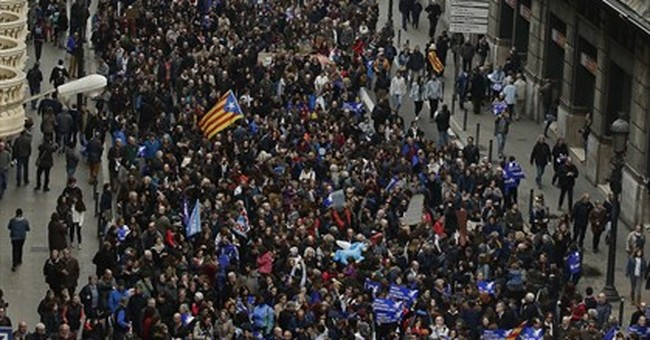 Protesters in Barcelona urge Spain to take in more refugees