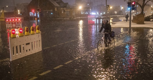 Stormy weather causes flooding along German Baltic coast