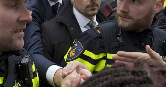 Muslim groups criticize Wilders' 'Moroccan scum' comments