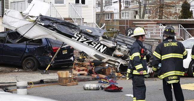 Small plane crashes in neighborhood, injuring pilot
