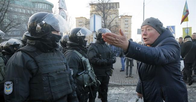 5 arrested in Kiev clash between nationalists, police