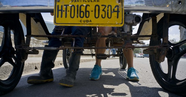 Young Cubans make pedal-powered Model T for transport, fun