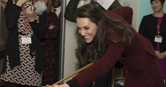 Duchess of Cambridge pool-playing skills deemed 'dreadful'