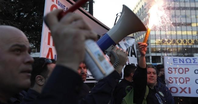 Police, coast guard, fire service unions protest in Greece