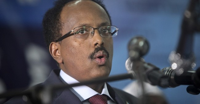 Somalia's new leader inaugurated, vowing to restore dignity