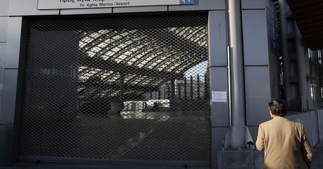 Transport strike snarls traffic in Athens