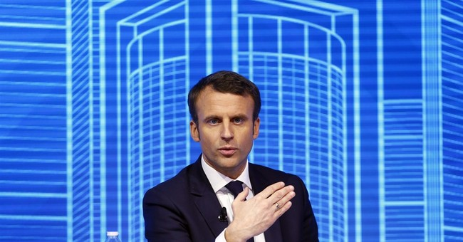 French centrist candidate Macron: I'm not a bubble