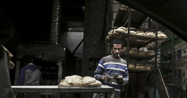 Egyptians bear down under worst inflation in a decade