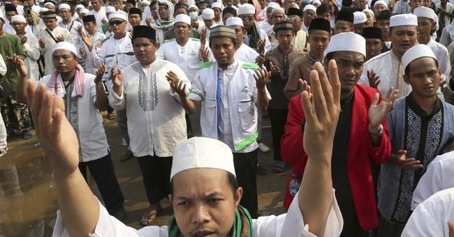 Indonesian authorities shutter minority Ahmadiyah mosque