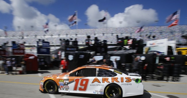 Suarez carries Mexican banner  into NASCAR's top series