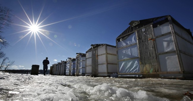 Maine's smelts, sought by ice fishermen, have strong winter