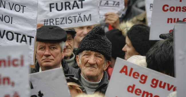 Thousands rally in Romania to back beleaguered govt