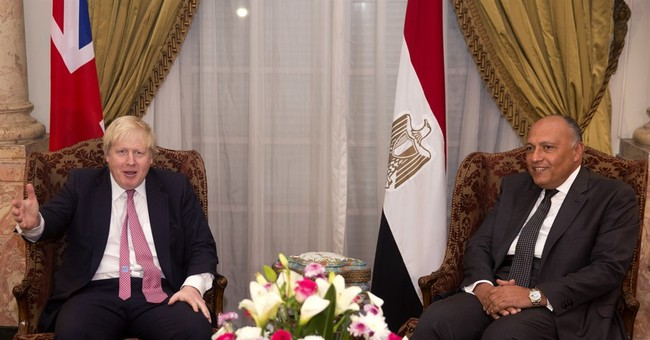 Britain agrees $150 million loan guarantee to Egypt on visit