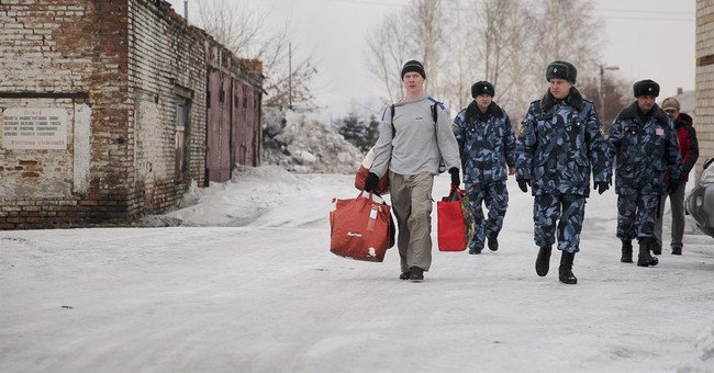 Russian opposition figure freed; vows fight for human rights