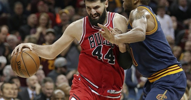 Bulls benefit as James sits with strep, beat Cavs 117-99
