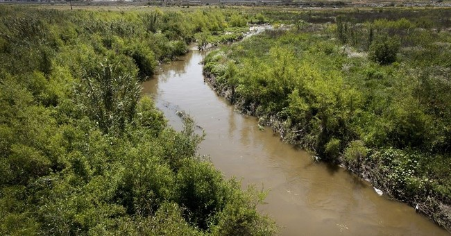 Large sewage spill in Tijuana, Mexico, flows north of border