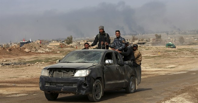 Iraqi forces battling Islamic State reach Mosul bridge