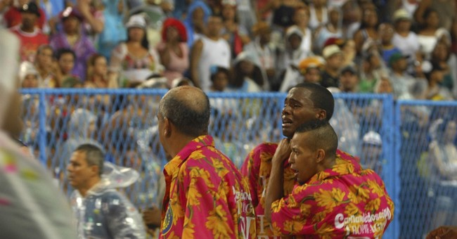 Float crashes, injuring 20 people at Rio's Carnival parade