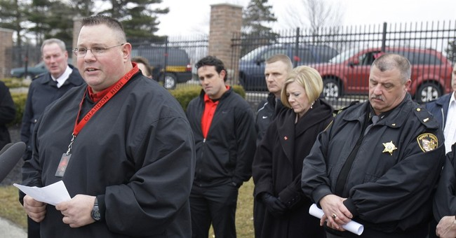 'Hero' coach: Don't forget 2012 Ohio school shooting tragedy