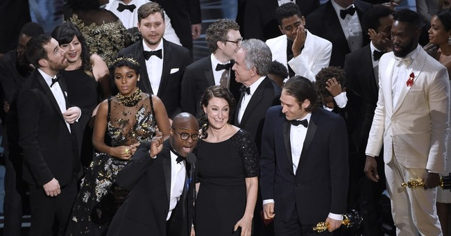 Looking for Oscar bump, 'Moonlight' heads back into theaters