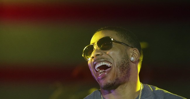 Nelly scolds Mike Piazza for dissing St. Louis restaurants