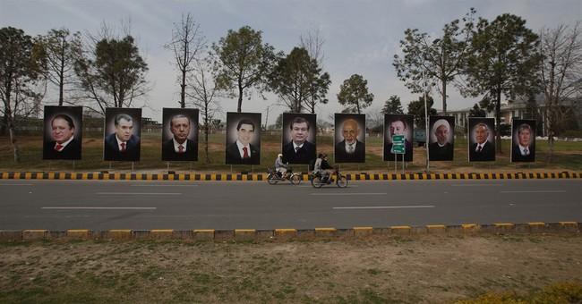 Pakistan hosts regional economic summit