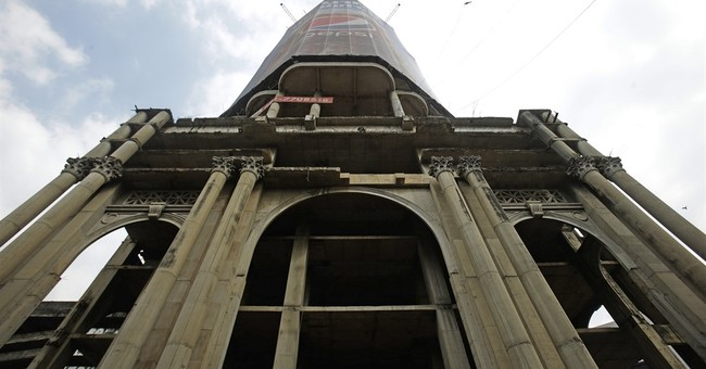 """Ghost Tower"" haunts Bangkok 20 years after financial crisis"
