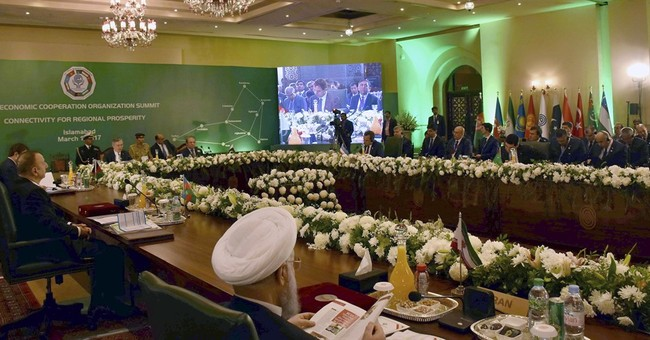 10-country summit in Pakistan ends on call for closer ties