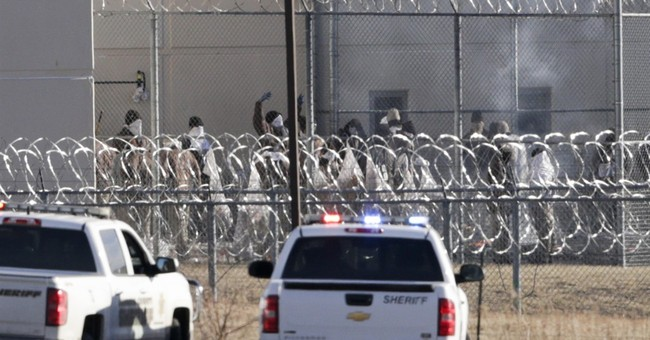 Disturbance leaves 2 inmates dead at Nebraska prison