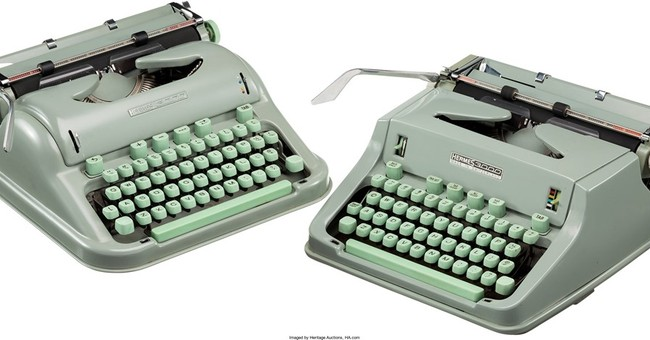 Larry McMurtry selling typewriters used for 'Lonesome Dove'