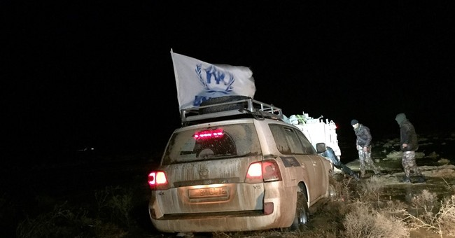 UN ramps up aid for Syrians stuck in desert near Jordan