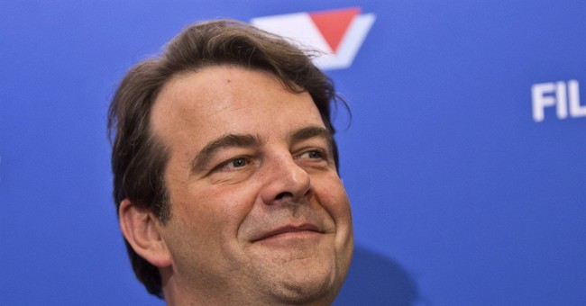 French candidate going it alone amid campaign defections