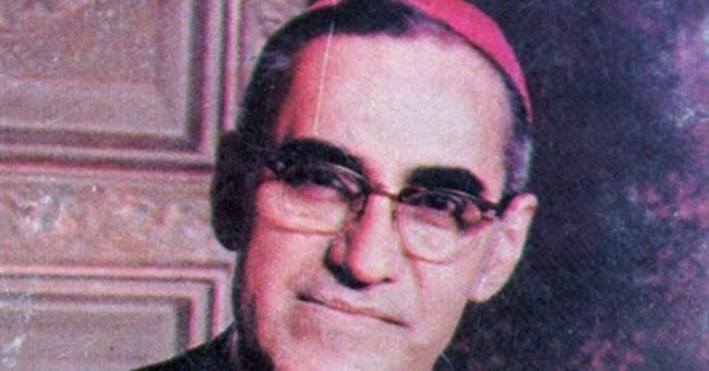El Salvador: Vatican mulls possible miracle by slain cleric