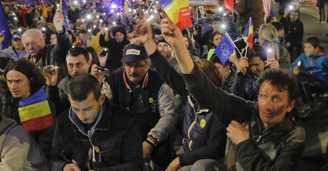Romanians march to protest persistent govt corruption