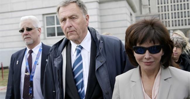 Christie mentor avoids prison time in United bribery scandal