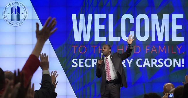 Ben Carson compares slavery to immigration to America