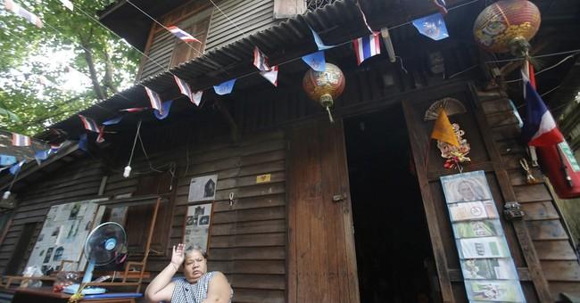 Demolition continues at historic Bangkok fort community