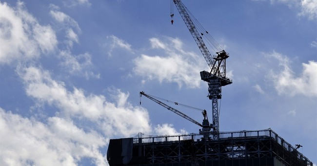 Japan's economic growth below estimates in last quarter