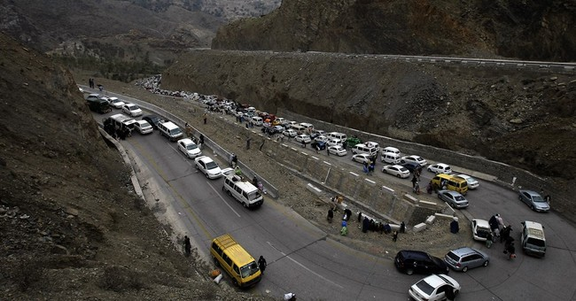 Pakistan says it closed Afghan border to avoid more attacks
