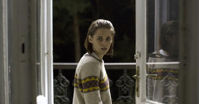 Review: Kristen Stewart, otherworldly in 'Personal Shopper'