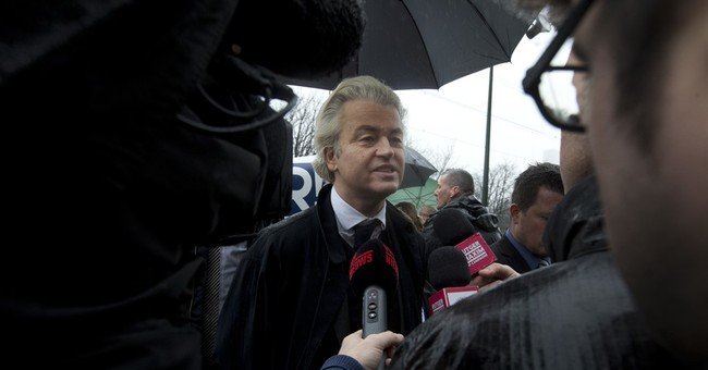 Anti-Islam populist Wilders protests outside Turkish embassy