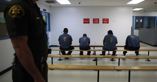 Watchdog: Spoiled food, safety risks at immigration facility