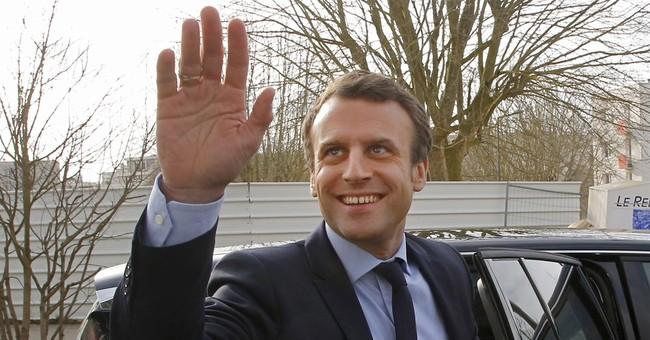 Ex-Paris mayor backing Macron in French presidential race