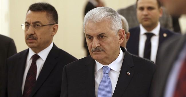 Turkey warns US relations at risk if Kurds help retake Raqqa