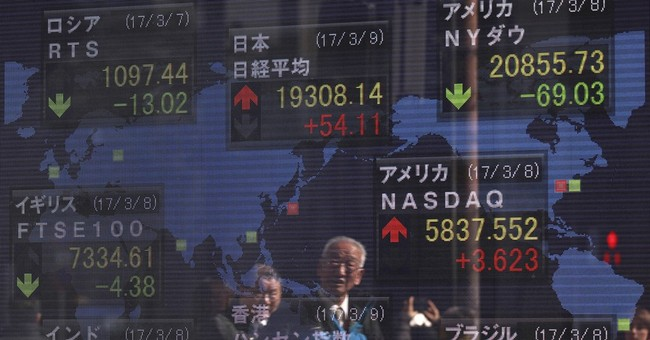 Global stocks weighed down by crude oil slump
