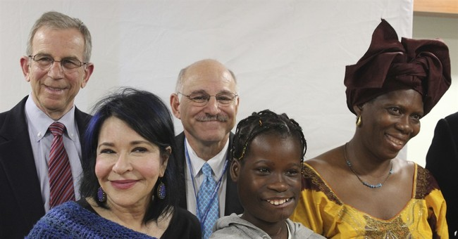 US surgeons remove 6-pound tumor from Gambian girl's mouth
