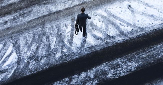 The Latest: Former Mississippi governor slips on ice