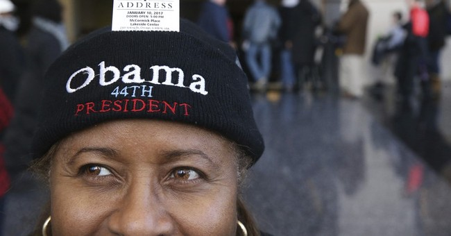 Thousands brave cold for tickets to Obama farewell speech