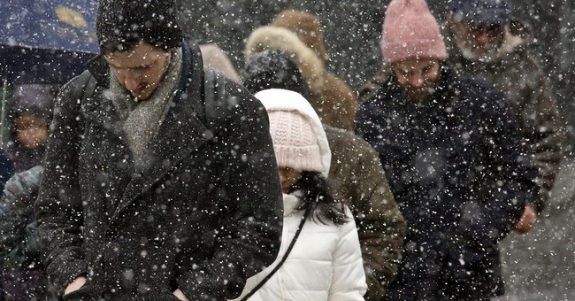 The Latest: Snow expected to blanket Northeast